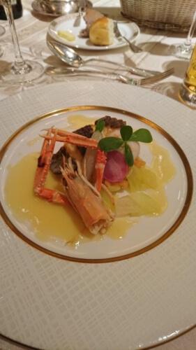 鯛のオリーブオイルソテーとラングスティーヌ ブールブランソース