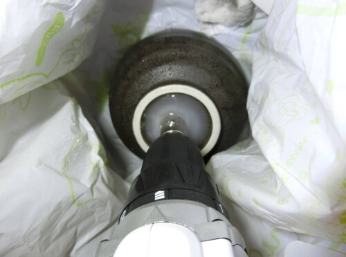 【DIY】茶碗に綺麗に底穴を開けて植木鉢に変える