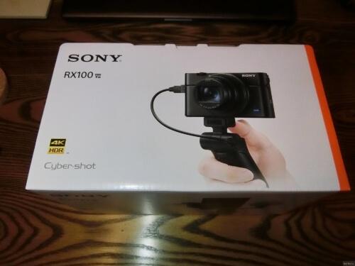 高級コンデジ(SONY RX100M7)を購入